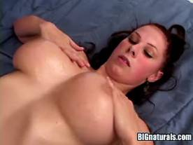 Busty hottie titsfucks and gets cum