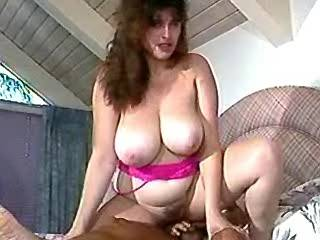 Plump sluts get cumload on huge boobs in groupsex
