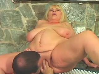 Horny man hard drills chubby blonde milf in pool