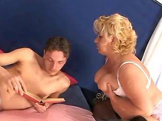 Chubby granny in stockings spoils amateur guy