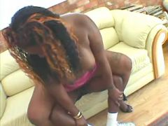 Black chubby whore with juicy pussy gets in mouth